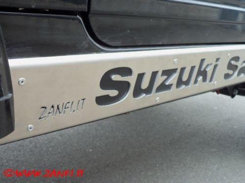 100_4280Protezione sottoporta in duralluminio per Samurai a passo corto – Zmode